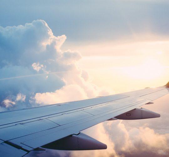 plane-841441_1920